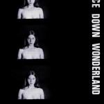 AliceDownWonderlandVorne
